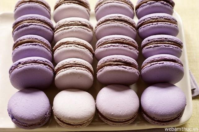 Hình 1- Macaron còn được dùng như một món quà để tặng nhau