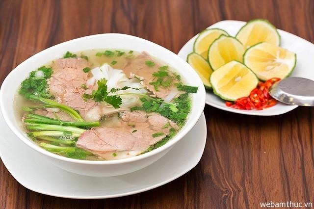 Hình 1 – Phở là món ăn truyền thống của người dân Hà Nội