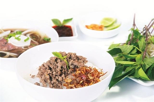 Hình 10 - Phở khô Gia Lai là món ngon nổi tiếng của phố núi