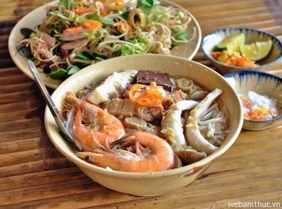 Hình 3 – Món bún nước lèo Sóc Trăng được nấu từ mắm bò hóc