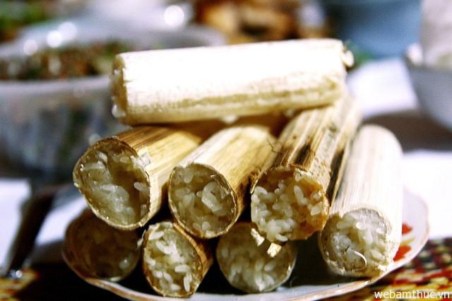 Hình 4 – Cơm lam là món đặc sản mà bạn nên ăn khi đến Sapa