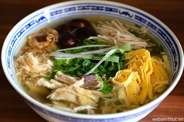 Hình 5 – Bún thang là món ăn truyền thống của người Hà Nội xưa