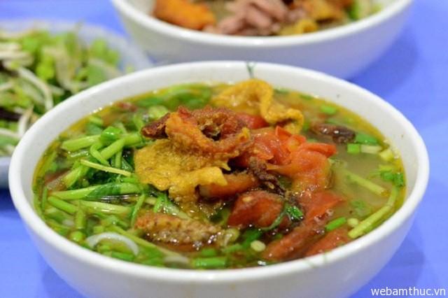 Hình 6 - Bún cá cua đồng là một trong những món ăn dân dã