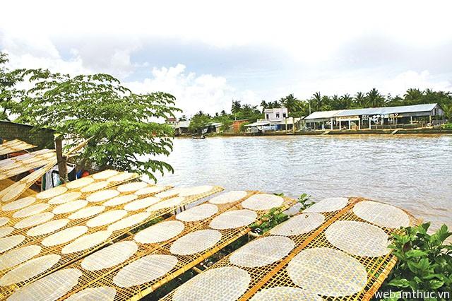 Hình 7 – Mỹ Lồng là nơi sản xuất bánh tráng nổi tiếng ở Đồng bằng Sông Cửu Long