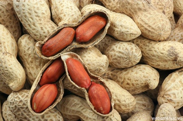 Hình 7 - Đậu Đức Hòa còn là nguyên liệu để sản xuất ra các sản phẩm đậu phộng khác
