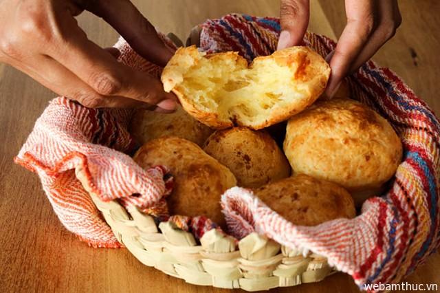 """Hình 7 – Những chiếc bánh Pão de queijp """"đốn tim"""" thực khách"""