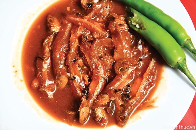 """Hình 9 – Mắm chua Tây Ninh ăn kèm cơm nóng hoặc chấm bánh tráng là """"tuyệt đỉnh"""""""