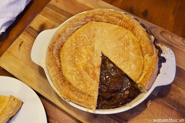 Hình 9 - Steak anh kidney pie, món bánh đặc trưng ở Anh