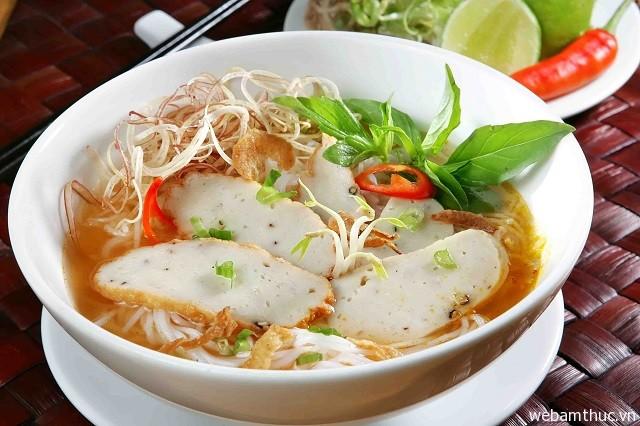 Bún chả cá là món ngon đặc sản nổi tiếng của Đà Nẵng