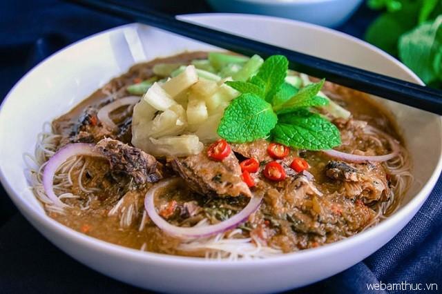 Bún cá chua cay là món ăn nổi tiếng tại quán Itam Assam Laksa