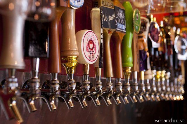 Nickfime Drafthouse được biết đến là một trong những quán bia nổi tiếng ở Singapore