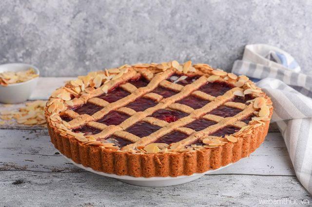 Bánh Linzer Torte là món bánh phổ biến vào dịp Giáng sinh của người Áo