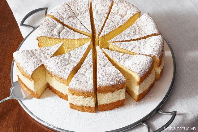 Nếu bạn là một tín đồ hảo ngọt, Topfentorte sẽ là món bánh lý tưởng để thưởng thức khi đến Áo
