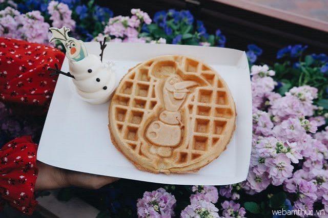 Hình dáng xinh xắn của bánh Waffle Hình Người Tuyết Olaf
