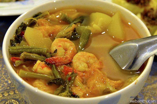 Hầu hết những tín đồ thích ăn cay đều hài lòng với mùi vị của món Gaeng Som
